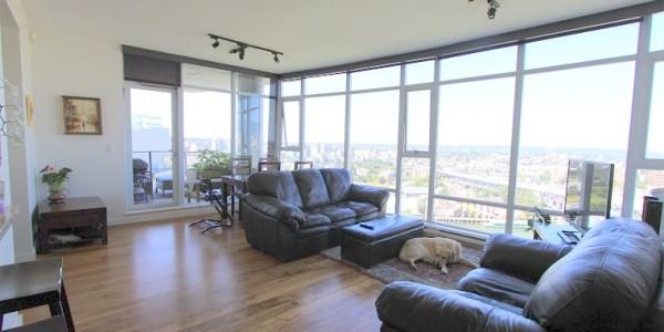 3202-455 Beach Avenue - Livingroom