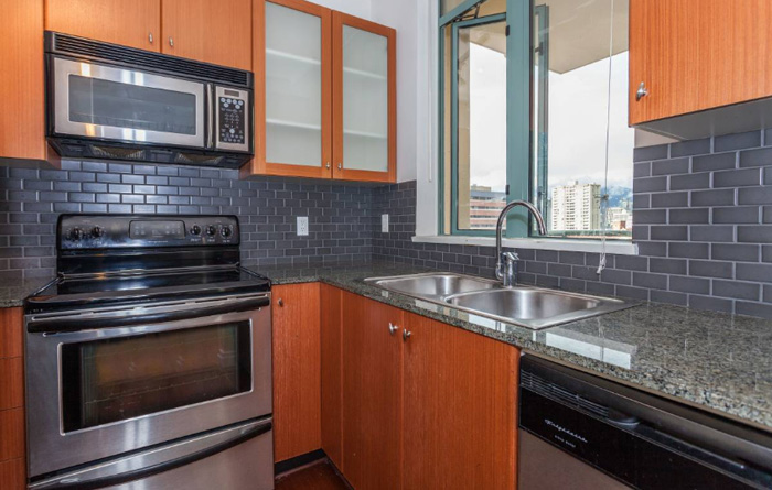 700ft2-Spacious-Renovated-Downtown-1-Bedroom-at-3.00.59-PM