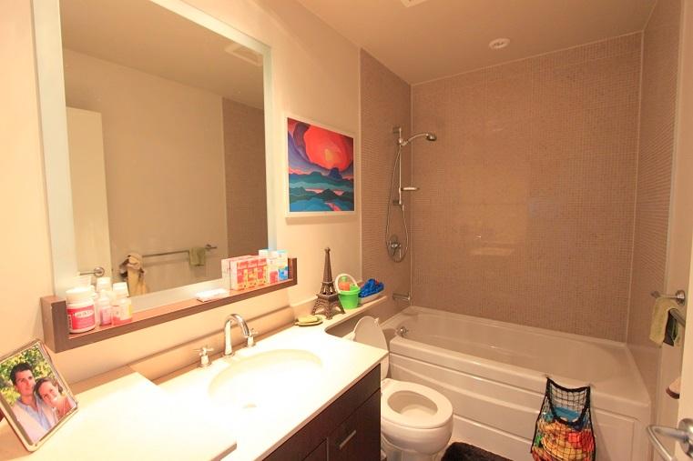 3202-455 Beach Avenue - bathroom