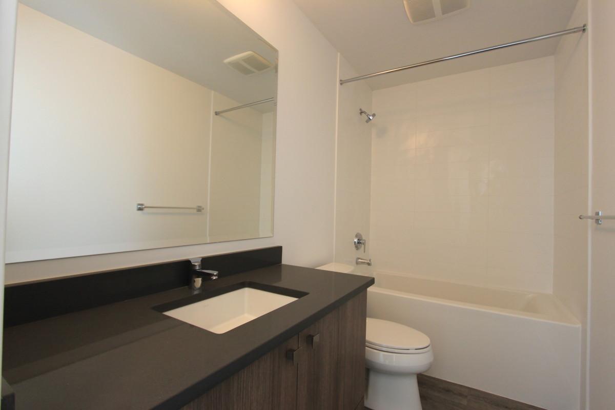 The Evan - bathroom 2
